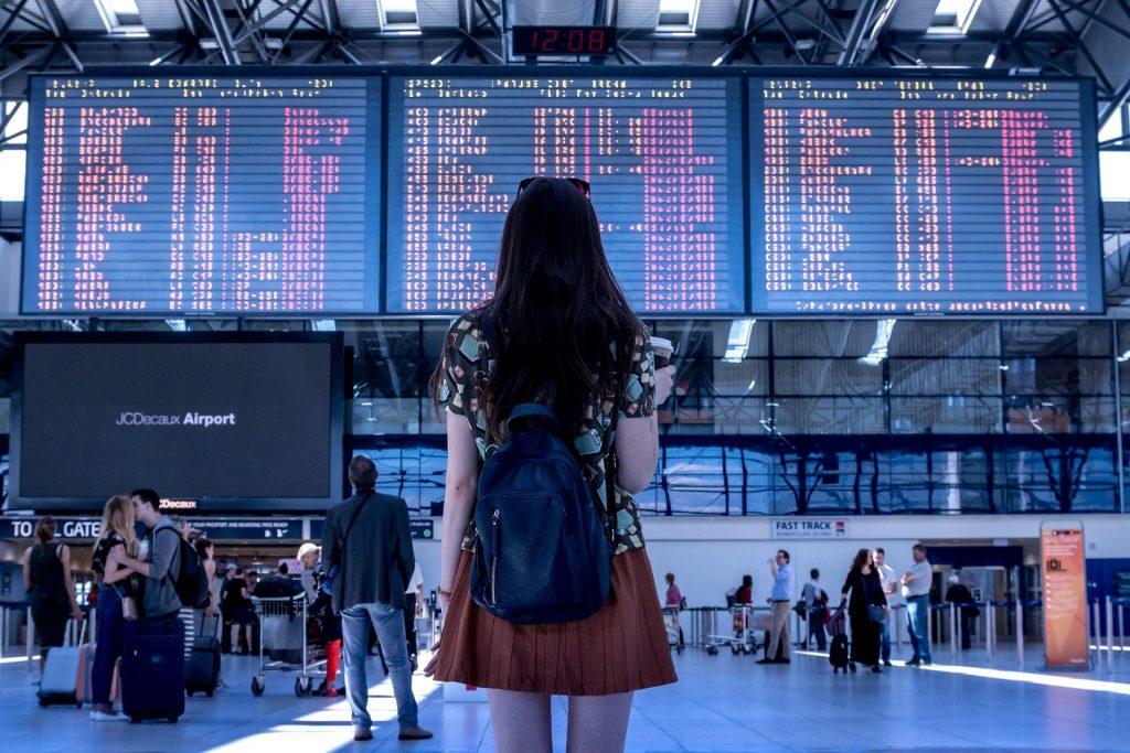 voyage aréoport lire une autre langue