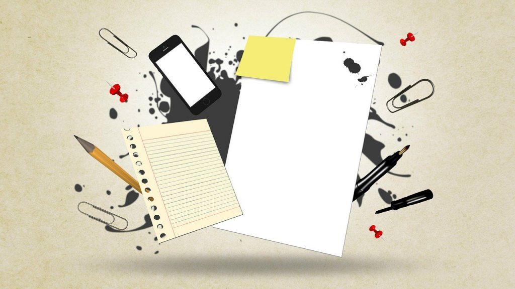apprendre du vocabulaire sur un téléphone, sur papier ou avec un logiciel